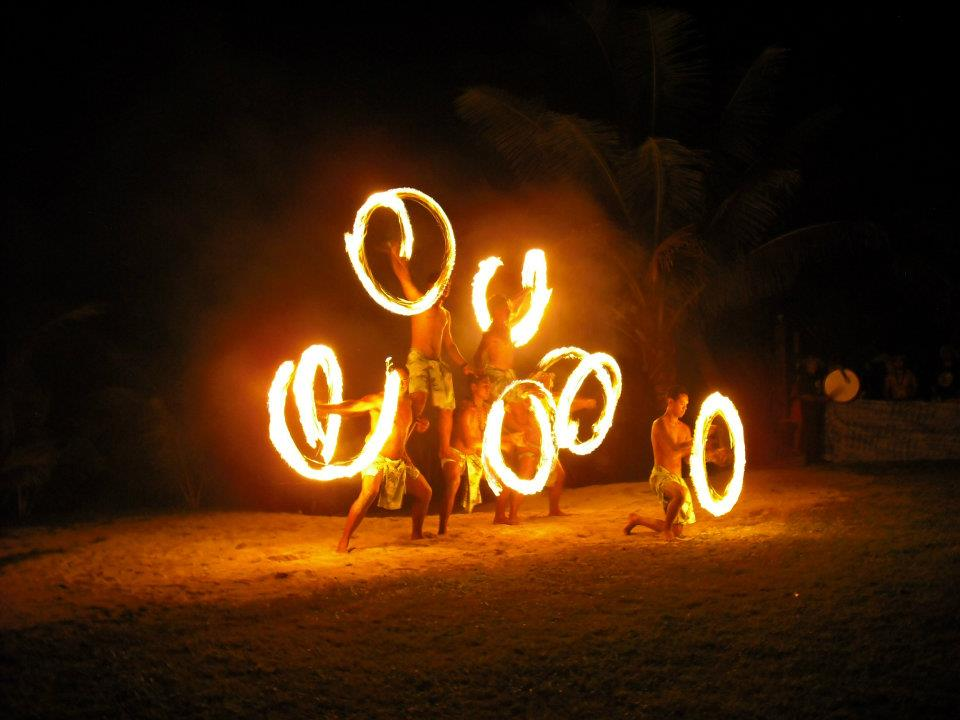 cook-islands-firedance