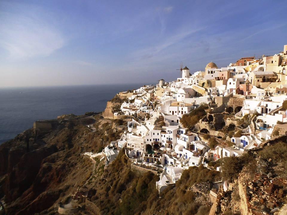 恋人と行きたい目的地No.1!サントリーニ島でエーゲ海を臨む絶景