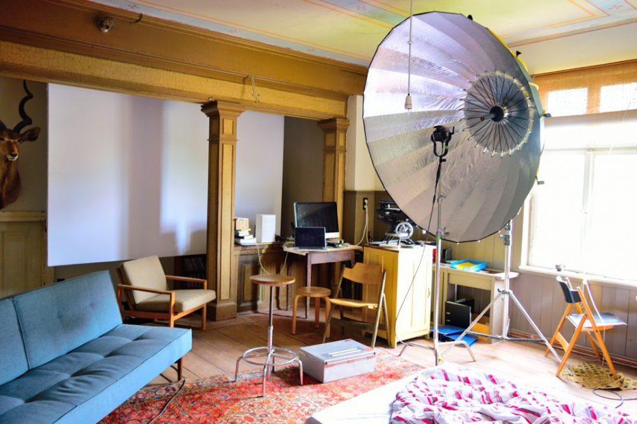映像撮りのためにDIYで改装された部屋