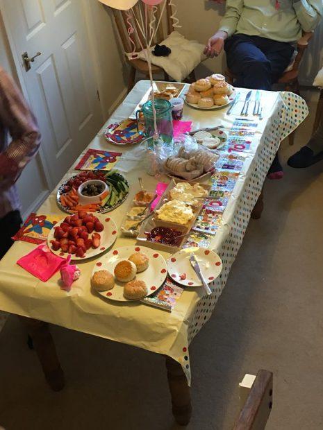 britain-birthday-party-13