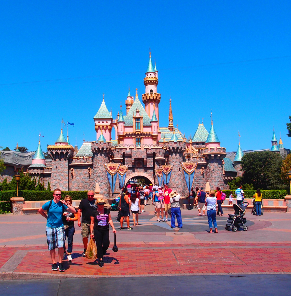 california-disneyland-03